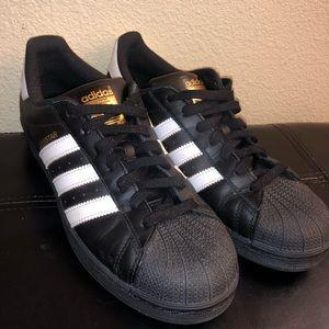 Adidas superstar in black